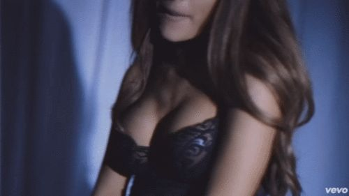 @arianagrande63 ☁ this videoclip is soo sexy ☁