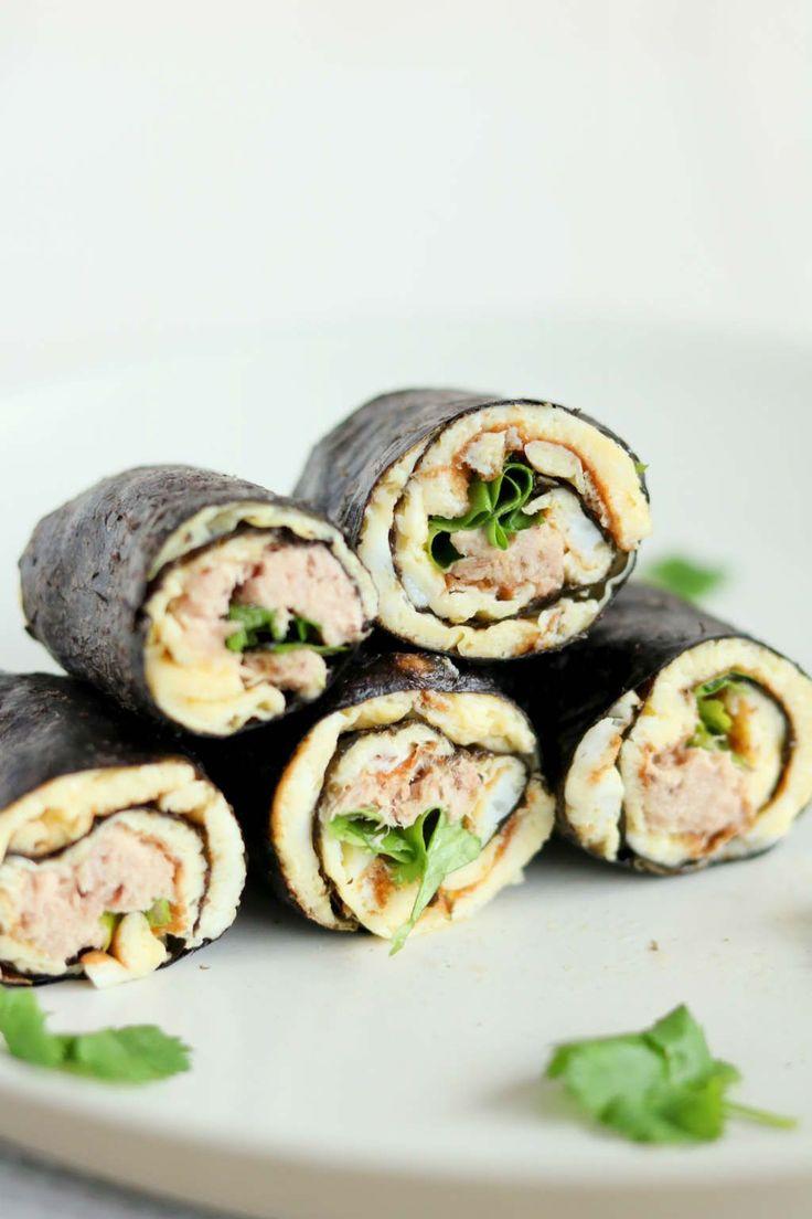 Sushi wraps met tonijn. Makkelijk lunchrecept met norivellen, omelet, tonijn uit blik en wasabi.