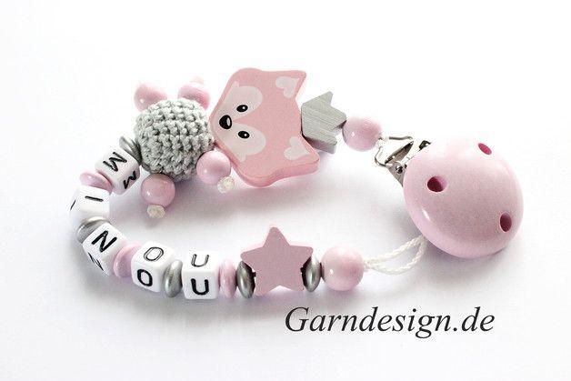 Schnullerketten - Schnullerkette mit Namen - ein Designerstück von garndesign-schnullerkette bei DaWanda