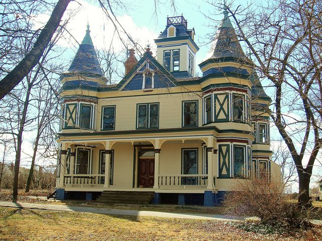 17 best images about victorian exterior interior on for Queen anne house plans with turrets