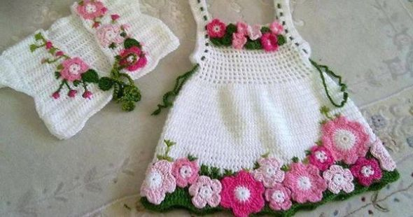 Having the floral clothes is always an attraction for the kids. They just love to carry such colorful and flowery articles. So just try to make this one with crochet pins, this cute floral frock with a petty coat is just a perfect choice for some moody and stubborn kids of yours.