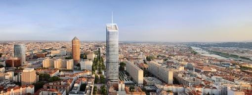 Tour InCity, BBC (Bâtiment Basse Consommation) et HQE (Haute Qualité Environnemental), une première à Lyon. Elle est située dans le quartier des affaires de la Part Dieu.