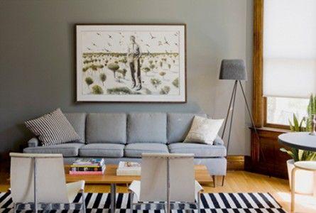 Βάλτε ένα έργο τέχνης, πίνακα ζωγραφικής, παλιό ξύλινο παράθυρο, ιδιαίτερο καθρέπτη πάνω απότον καναπέ σας | Small Things