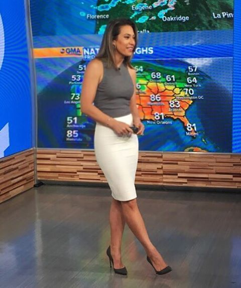 "468 Likes, 22 Comments - @jls_style on Instagram: ""It's Friday! @ginger_zee wears a @theory__ top and @bcbgmaxazria skirt. Jewels by @gabrielandco.…"""
