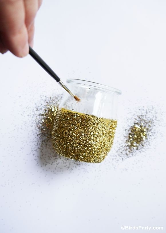 DIY: Bougies scintillantes en utilisant des pots de yaourt! | Printables | Blog de Fêtes | Party Anniversaires | DIY | Sweet Tables | Bird's Party