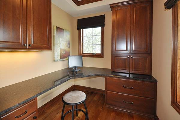 Ashland - Victory Homes of Wisconsin, Inc. Kitchen work area/bill paying desk