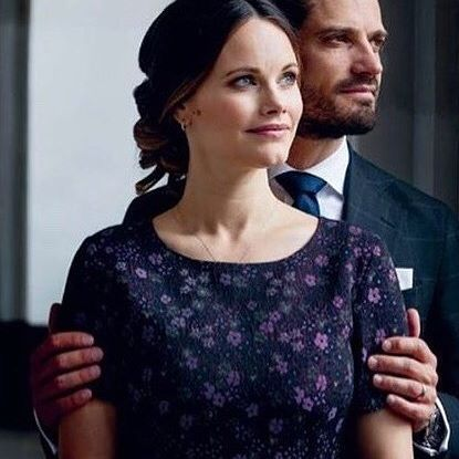 Princess Sofia and Prince Carl Philip have been interviewed for Kupé, a magazine by train company SJ. They were interviewed by Caroline Engvall and photographed by Bruno Ehrs in late September 2017 #PrincessSofiaOfSweden #PrincessSofia #PrinsessanSofia #Sweden#SwedishRoyals #Kungahuset #Kungafamiljen #PrincessSofiaNews #RoyalNews #PrinceCarlPhilip #PrinsCarlPhilip