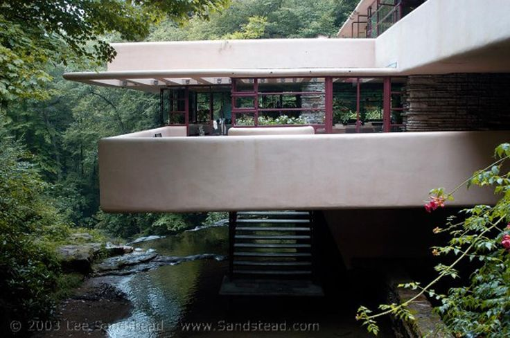 Frank-Lloyd-Wright-Falling-Water-house-close-to-nature, Photo Frank-Lloyd-Wright-Falling-Water-house-close-to-nature Close up View.