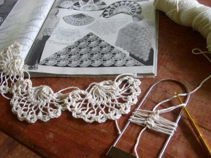 Joining the fan motifs. Hairpinlace
