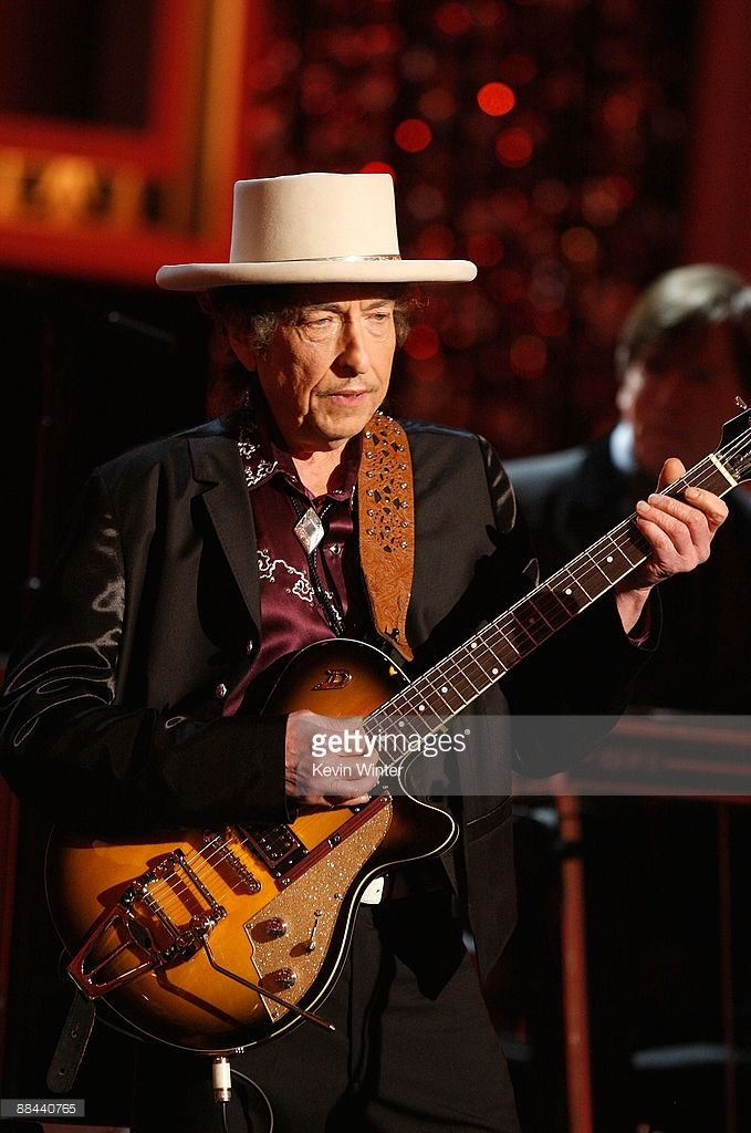 Musician Bob Dylan performs onstage during the AFI Life Achievement Award: A Tribute to Michael Douglas at Sony Pictures Studios on June 11, 2009 in Culver City, California.
