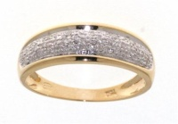 beautiful golden ring 18ct with 30 diamonds HSI quality