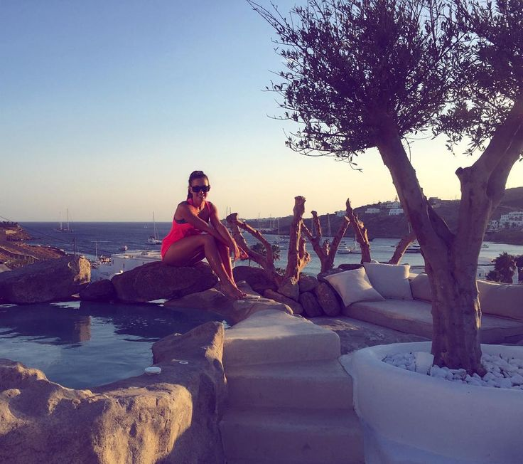 I was ready to leave Mykonos 3 times🙈...and 3 times I returned the ticket🙌❤️ #kensho#ornos#ornosbeach#mymykonos#mykonos#mykonos2016#mykonostown#mykonosisland#mykonoslife#mykonos_it#ilovemykonos#instagreece#greekislands#wonderfulgreece#athensvoice#cyclades#cyclades_islands