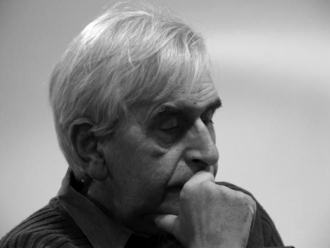 Τον κύριο Τόλη Νικηφόρου τον ήξερα ως ποιητή μέσα από τις πολλές ποιητικές συλλογές του.