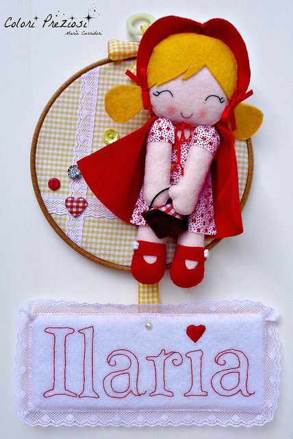 Felt little red riding hood - embroidery hoop www.coloripreziosi.blogspot.it #feltroepannolenci #handmade #coloripreziosi #birth