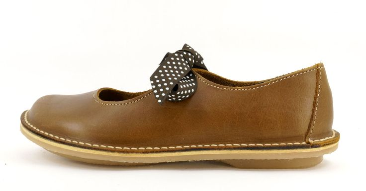 Freestyle Fern Crazyhorse Mocca Handmade Full Grain Genuine Leather Shoe. R 789. Handcrafted in Cape Town, South Africa. Code: 12104 Fern See online shopping for sizes. Shop for Freestyle online https://www.thewhatnotshoes.co.za Free delivery within South Africa.