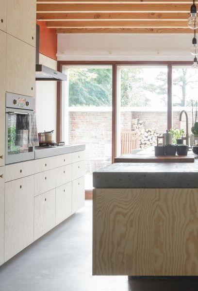 Unieke renovatie van woonruimte en atelier • Architecten: Raamwerk (keuken • hout • keukeneiland)