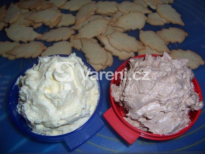 Výborný krém na slepování vánočního cukroví, který vydrží.