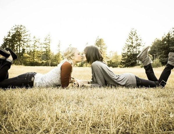 Lesbian Engagement Photos  Same-Sex Engagement Photo Ideas