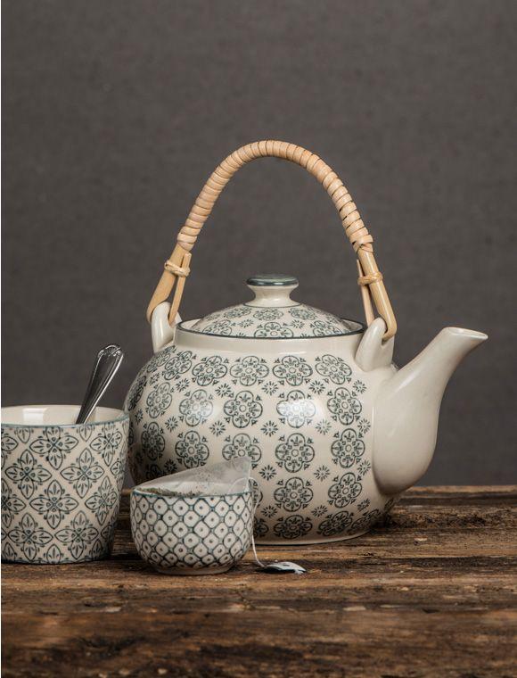 Genießen Sie sich mit der Teekanne von IB Laursen Ihre Teestunde! Sie ist aus Keramik und ist mit marokkanischen Muster verziert! Jetzt entdecken auf car-moebel.de!