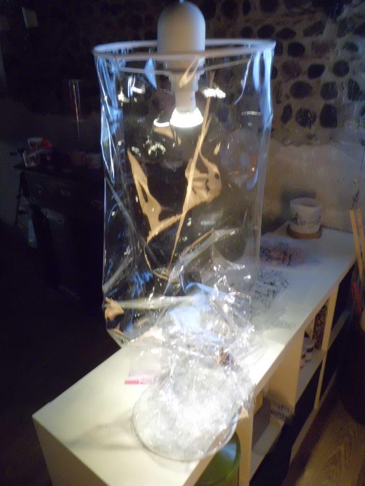 LAMPADA IN PVC TRASPARENTE. dimensioni altezza 130 cm diametro 26 cm FABRIZIO BIDOLI   fabriziobidoli@gmail.com