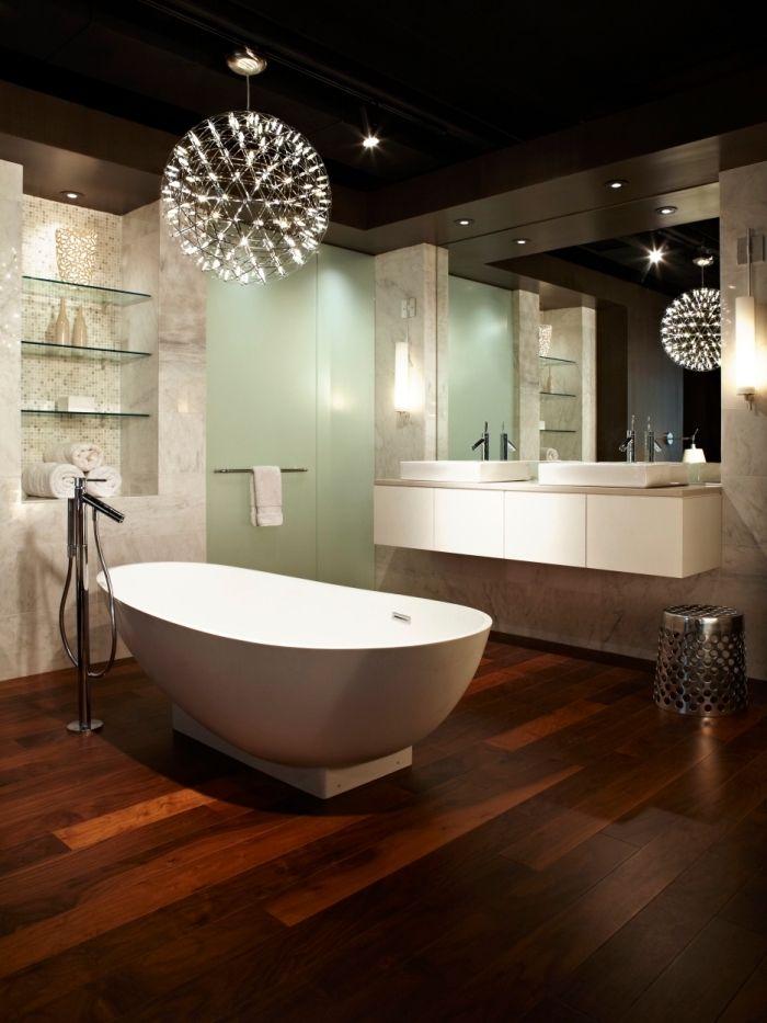 sol stratifi salle de bain pice au plafond noir et plancher en bois fonc avec - Salle De Bain Plafond Noir
