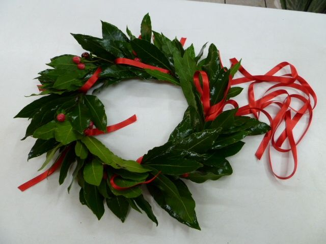 Image result for italian laurel wreath grad cap