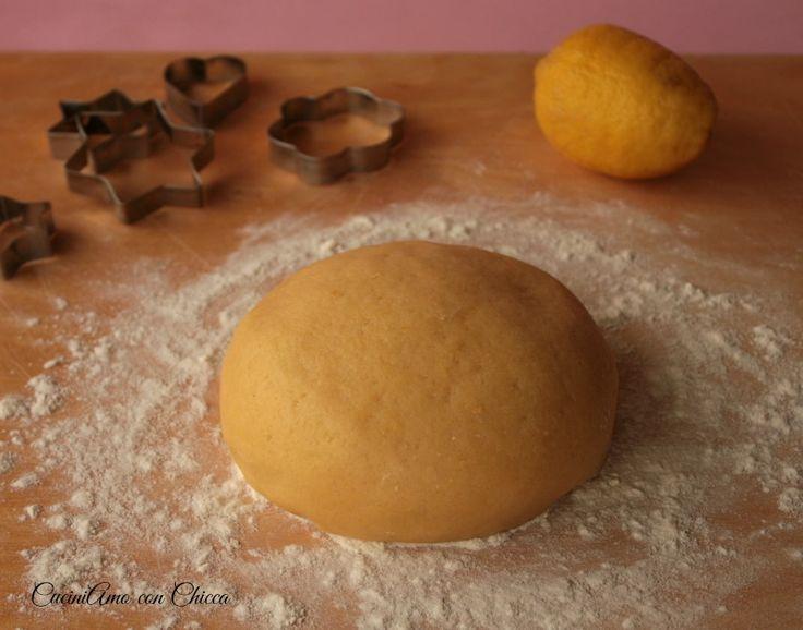 La ricetta base per torte dolci è l'ideale per essere farcita con frutta, creme marmellate, inoltre quest'impasto è molto facile da impastare non serve nean