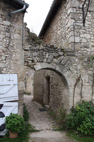Charroux (Allier) passage