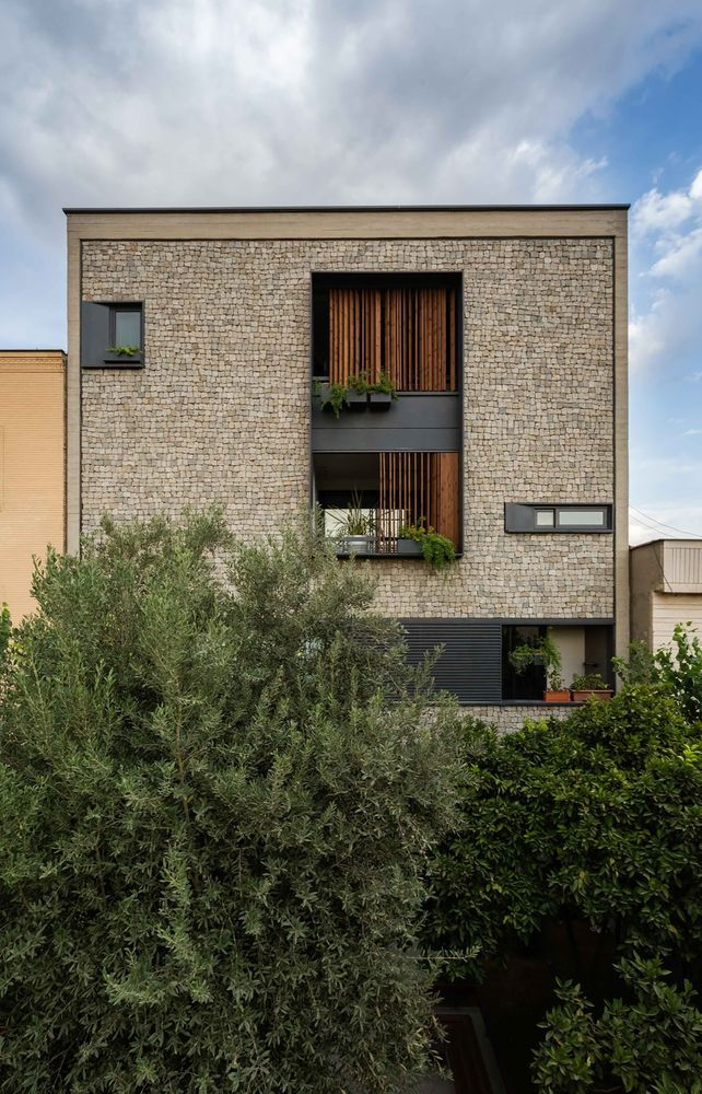 Gallery - 1 House Apartment / Ali Sodagaran + Nazanin Kazerounian - 1