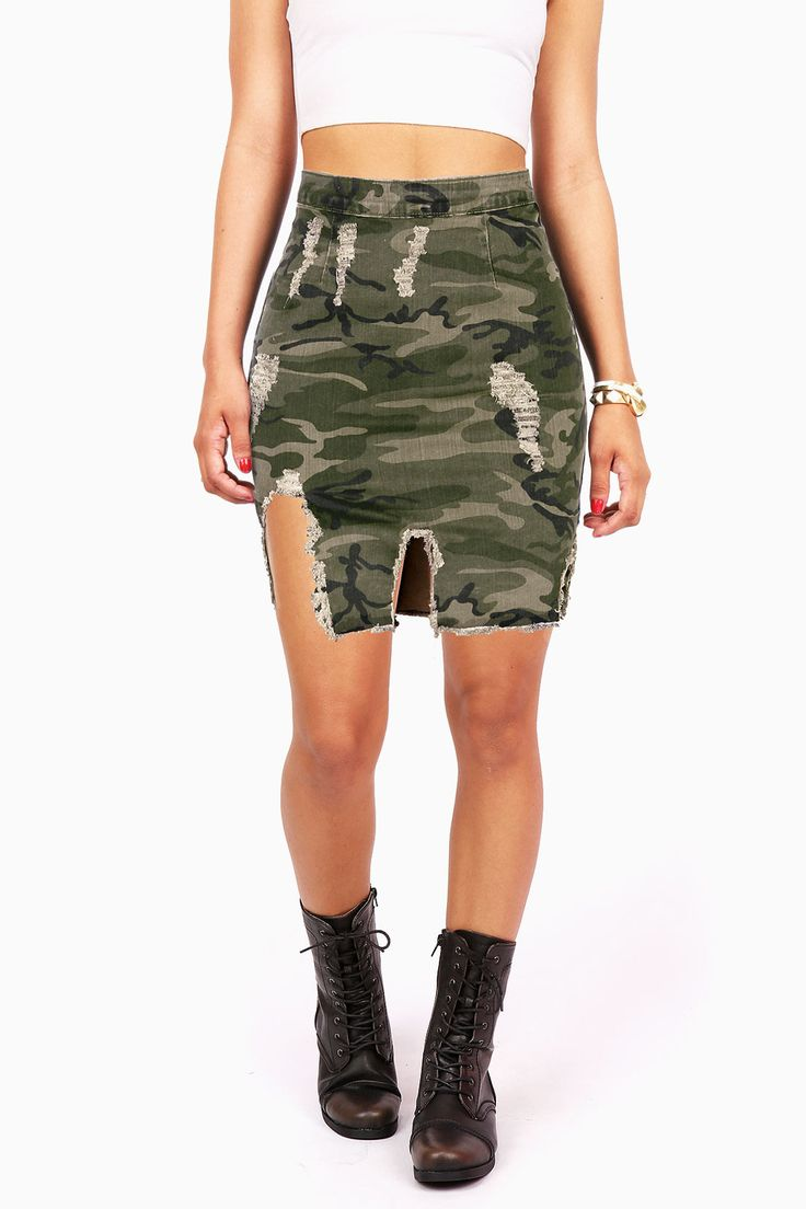 Edgy pencil skirt featuring a washed out camo print with heavy distressing and tearing down the front. Stretchy slim-fit denim fabric with a gold zipper closure at the back. *Machine Wash Cold *98% Co