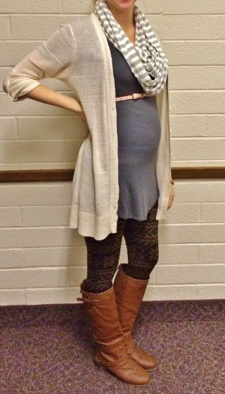 22 weeks pregnant, fall winter maternity style, long cream sweater, pink skinny belt, printed leggings, grey tunic, ridding boots, circle scarf