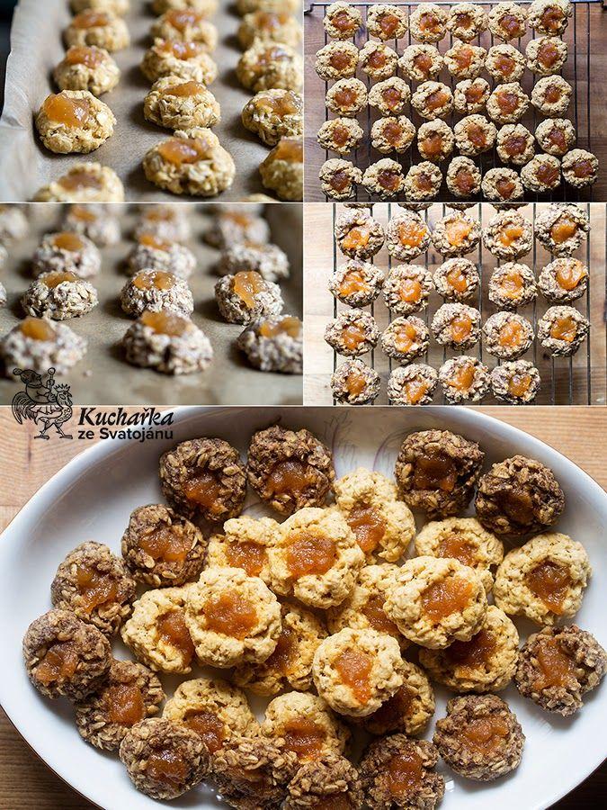 Zkusila jsem upéct ovesné sušenky s jablečnými povidly ve dvou verzích. Jedny jsou klasické, s vejcem, máslem, bílou moukou a cukrem a druhé...