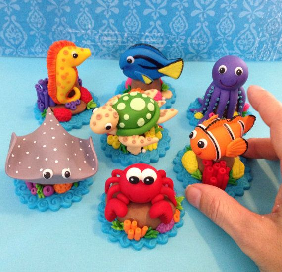 This listing is for (6) 3D Sea Animal toppers. I just LOVE these cute little guys! The tallest one (sea horse) sits approx 2 inches high. I