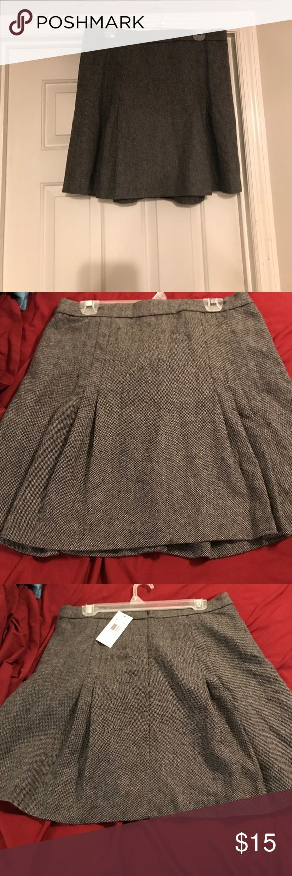 Size 10 Tweed Tommy Hilfiger skirt. Size 10. NWT. Hidden zipper in back. 3 pleats on each size of the skirt including the back ( see picture) Tommy Hilfiger Skirts Mini