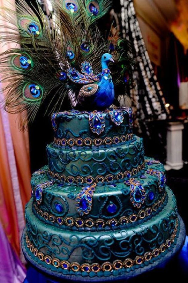 Amazing Peacock decorated wedding cake - love the colour!!
