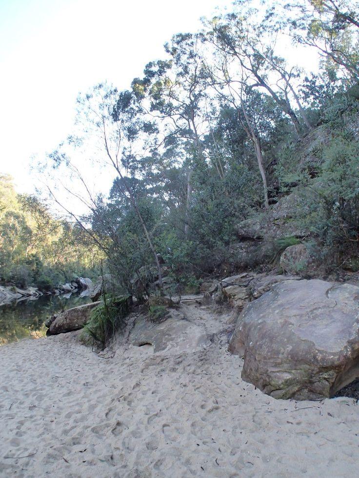 Sydney Train Walks - From Glenbrook via Red Hand Cave to Glenbrook