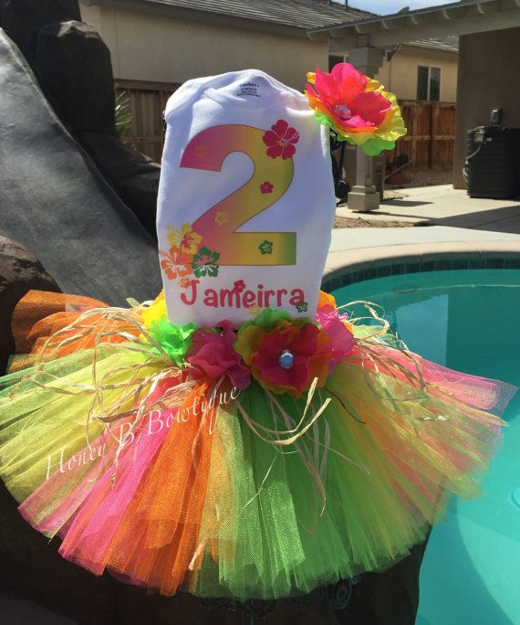 17 Best Ideas About Hawaiian Party Outfit On Pinterest