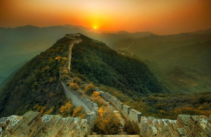 Atardecer en La Gran Muralla, China.