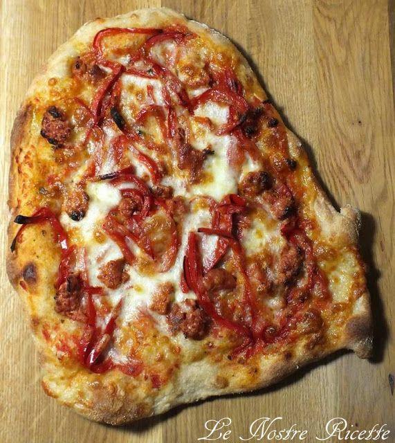 Le nostre Ricette: Pinsa ai peperoni e salsiccia