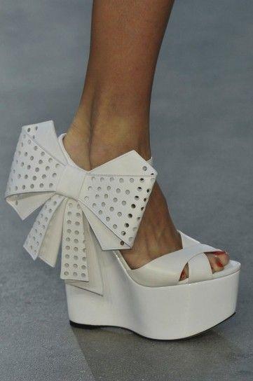 L'Wren Scott sandali bianchi con maxi fiocco