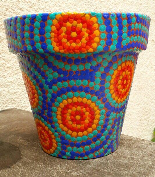 Summer colors. Hand painted flowerpots. Macetas pintadas a mano. Facebook: A'cha Pots. achapots@hotmail.com