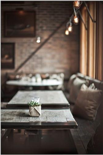 Rustic restaurant. I feel myself journaling here.