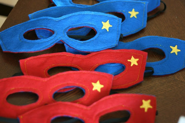 Awesome party favors!: Superhero Birthday, Super Heroes Masks, Birthday Parties, Superhero Parties, Diysuperhero Masks, Parties Ideas, Chic Tags, Diy Superhero Masks, Super Heroes Parties