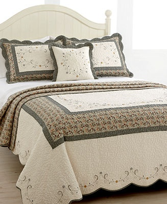 161 best Bedspreads & Quilts images on Pinterest | Bedrooms, Bed ... : bedding and quilts - Adamdwight.com