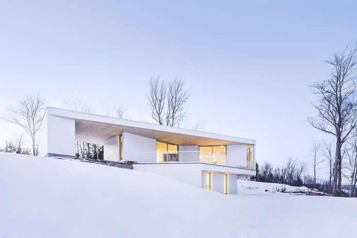 Located in a quiet area of the Eastern Townships in Quebec, the Nook Residence…