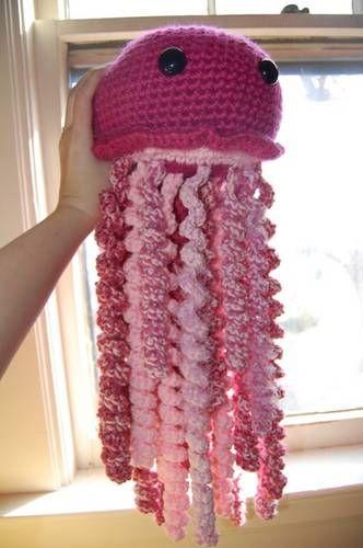 Méduse géante mangeuse de restes de laine patron amigurumi crochet gratuit français (free pattern)