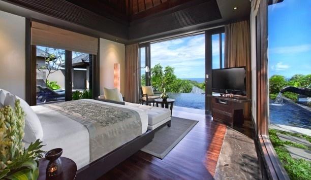 infinity pool one step away? yes please!    Banyan Tree Ungasan, Bali  #JetsetterCurator