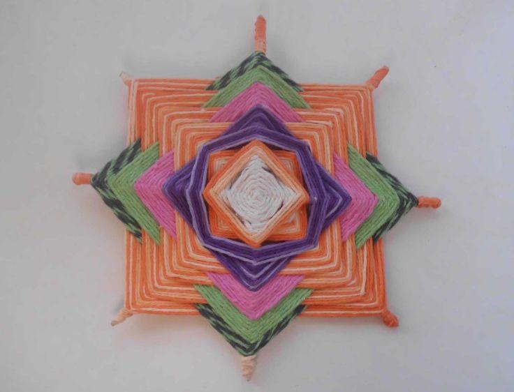 Assista o Passo a Passo de Artesanatos que mostra como fazer Mandalas em Fios - Olhos de Deus... Visite o site http://passoapasso.reciclaedecora.com