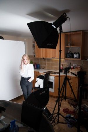 Portrait photo and lighting setup with Strobe and Softbox by Daniel Zega (160, 5,6, ISO: 200)