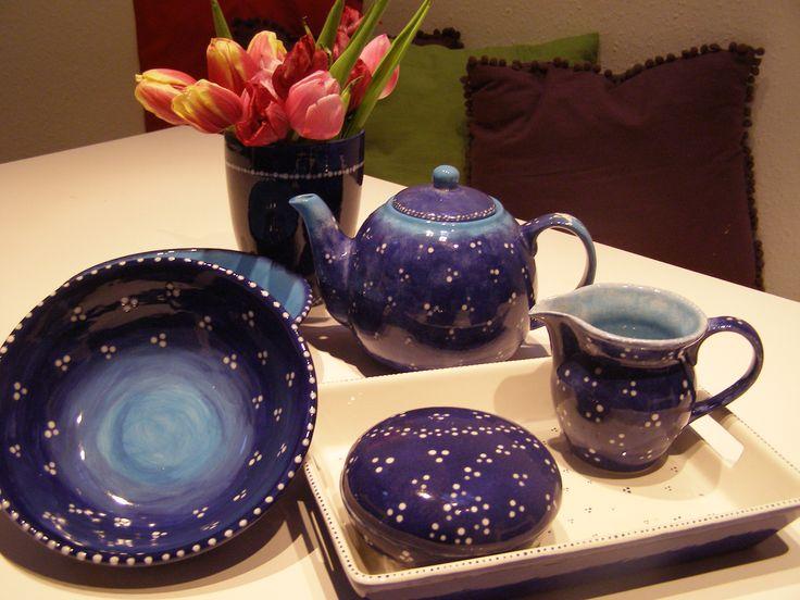 Keramik-Service. Handbemalt.
